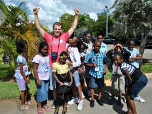 Approaching Voluntourism as a Moderate