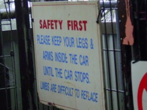 How should volunteer organizations avoid health and safety risks?
